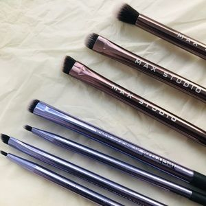 ALL ABOUT THE EYES brush set